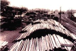 山積みされた公用材木(昭和17年)